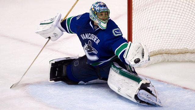 Luongo S Salary Prevented Leafs Canucks Trade Sportsnet Ca