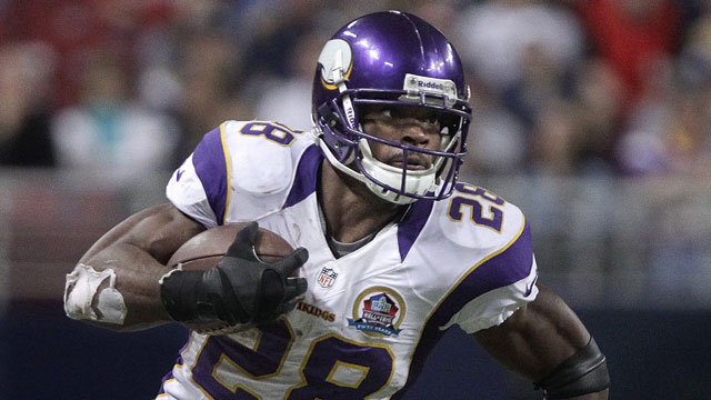 Adrian Peterson, the running back of the Minnesota Vikings, averaged 19.21 fantasy points-per-game (AP/Seth Perlman)