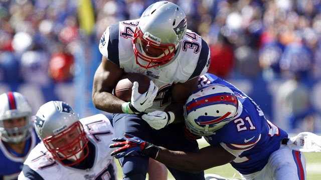 Shane Vereen is expected to be a big pass catcher for the New England Patriots this season, but the running back actually ran for 101 yards against the Buffalo Bills (AP/Bill Wippert)
