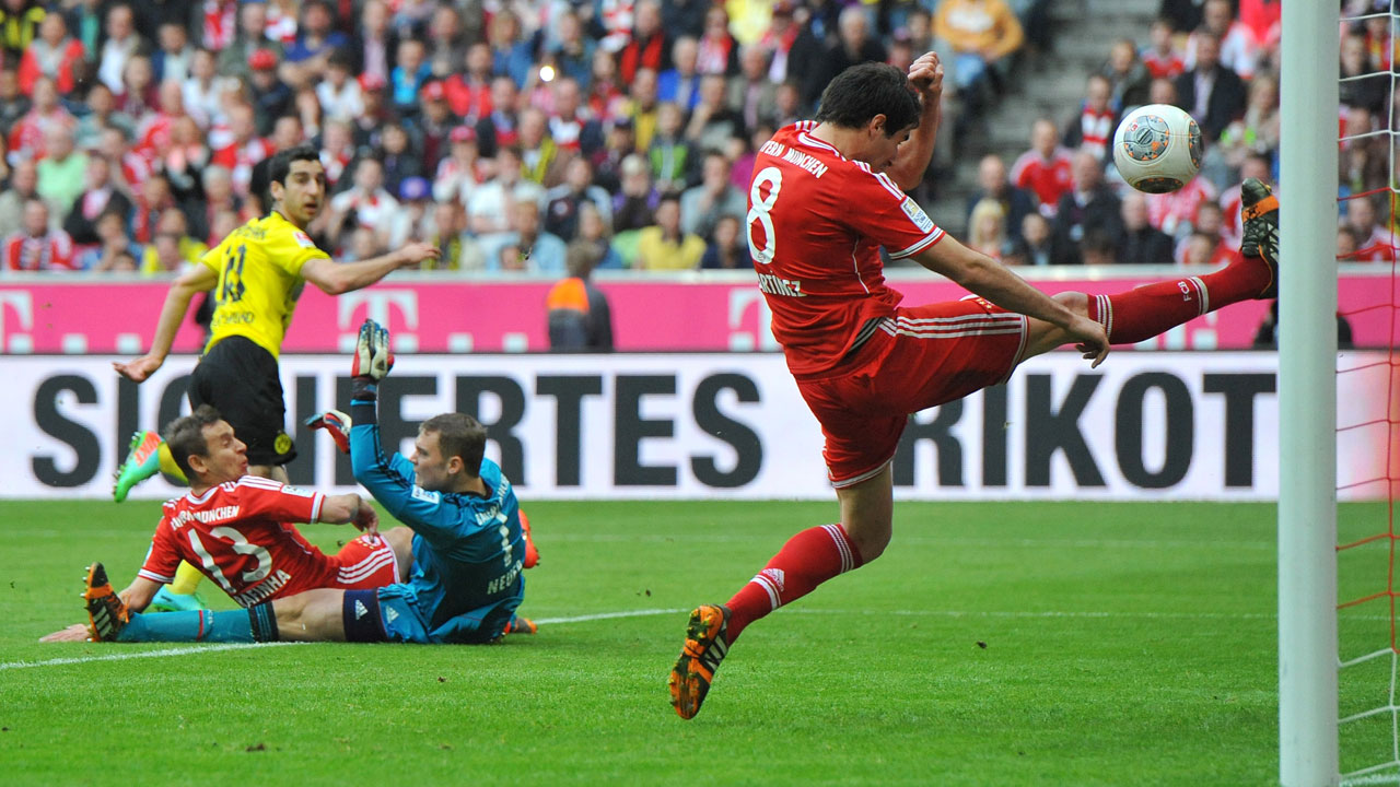 Dortmund upsets Bayern, stays 2nd in table - Sportsnet ca