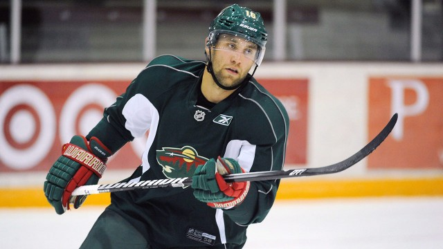 Wild S Jason Zucker Out Four To Six Weeks With Fractured Right