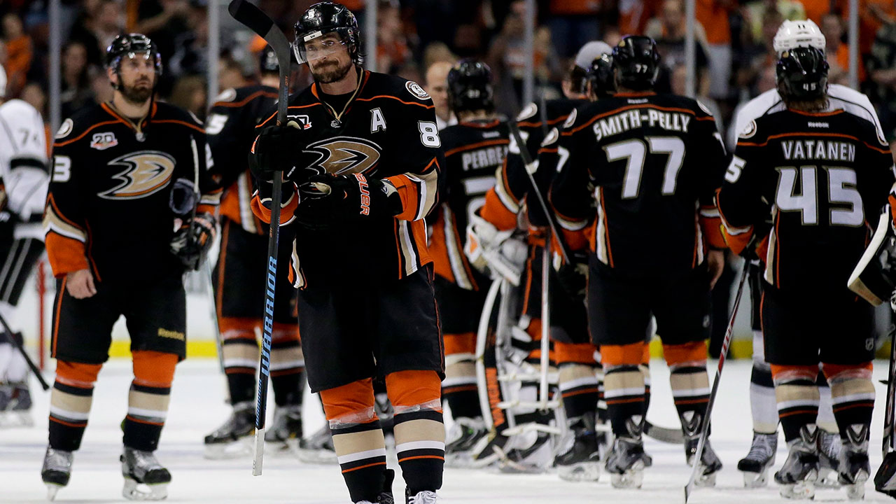 quality design 47866 c038a Ducks to retire Selanne jersey when Jets visit - Sportsnet.ca