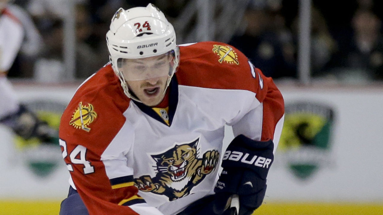 Brad-Boyes;-Toronto-Maple-Leafs