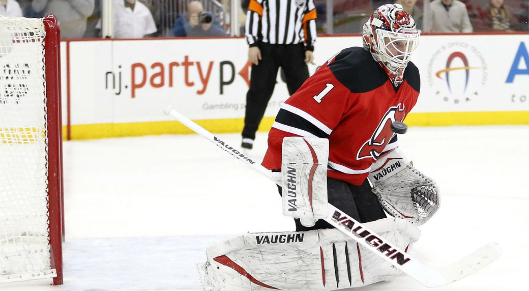 best authentic 66fbd 120c9 Devils goalie Kinkaid leaves game with injury - Sportsnet.ca