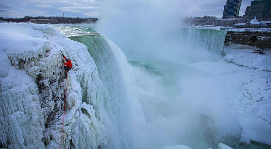Will-Gadd;-Red-Bull;-Niagara-Falls;-ice-climbing