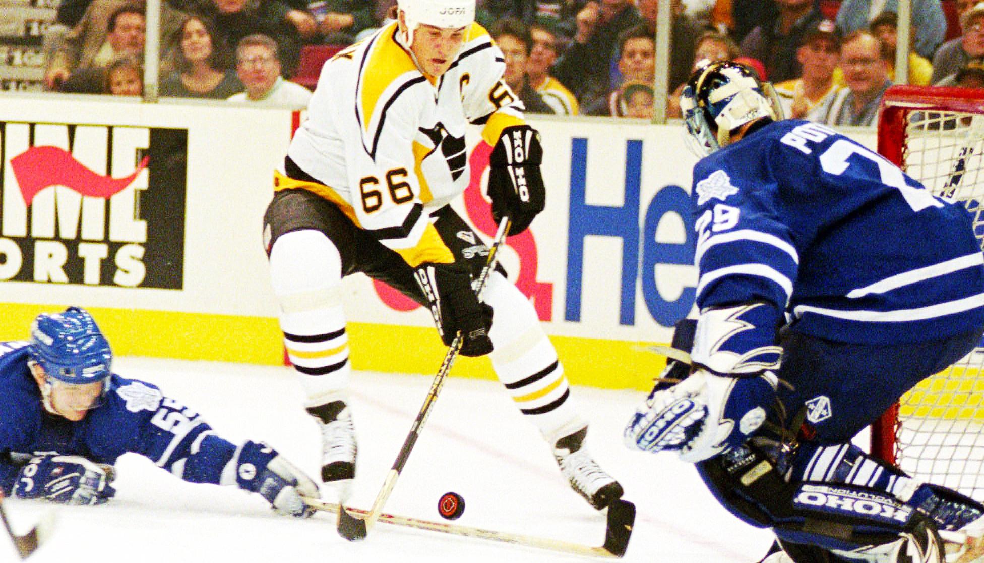 Larry-Murphy;-Toronto-Maple-Leafs;-Pittsburgh-Penguins