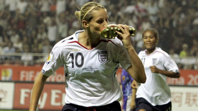 England,-Kelly-Smith