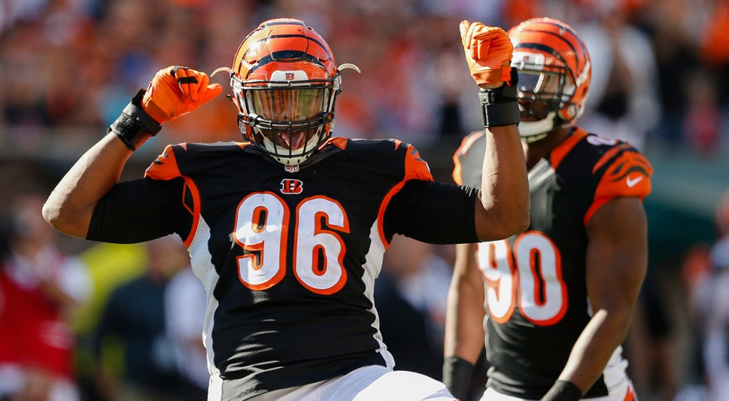 Hawks trade for DE Carlos Dunlap