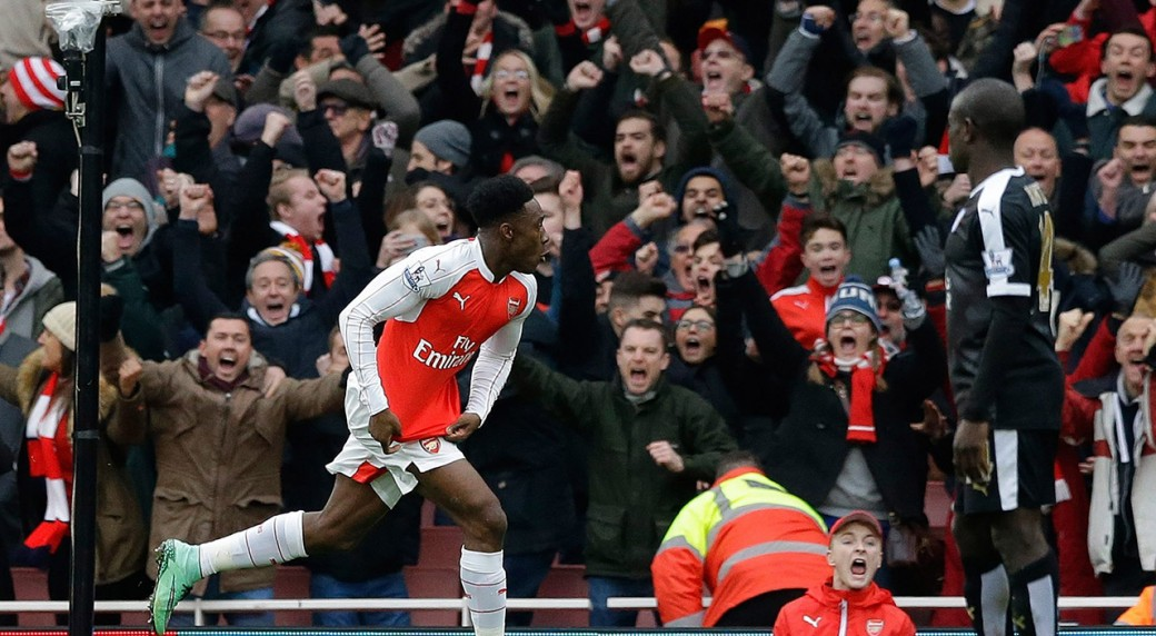 Welbeck Strikes Late As Arsenal Beats Leicester Sportsnet Ca