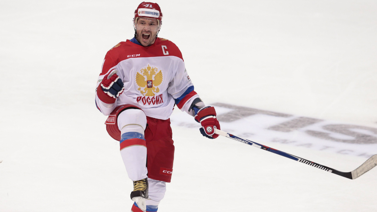 Russia's-Ilya-Kovalchuk-celebrates-after-scoring-team's-sixth-goal-during-the-second-period-action-of-the-Channel-One-Cup-ice-hockey-match-between-Finland-and-Russia,-in-Moscow,-Russia,-on-Saturday,-Dec.-19,-2015.-(AP-Photo/Ivan-Sekretarev)