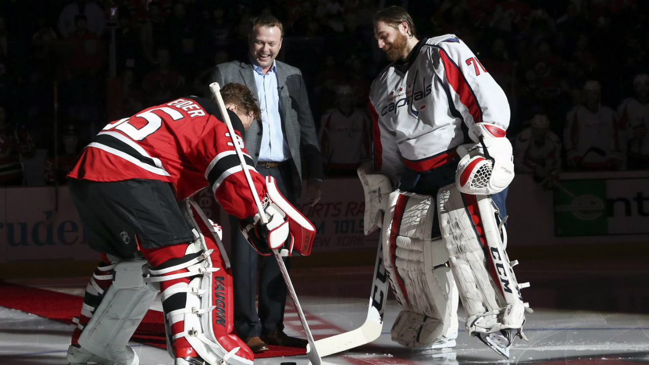 the latest 070d5 b1535 Martin Brodeur gets statue, New Jersey Devils jersey retired ...