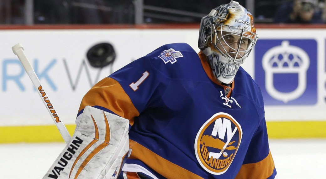 New-York-Islanders-goalie-Thomas-Greiss-makes-a-save-during-the-third-period-of-an-NHL-hockey-game-against-the-Detroit-Red-Wings,-Monday,-Feb.-15,-2016,-in-New-York.-The-Islanders-defeated-the-Red-Wings-4-1.-(AP-Photo/Seth-Wenig)