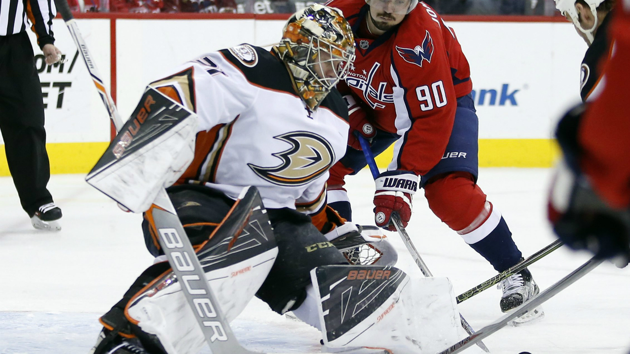 Washington-Capitals-center-Marcus-Johansson-(90),-from-Sweden,-has-his-shot-stopped-by-Anaheim-Ducks-goalie-Frederik-Andersen-(31),-from-Denmark,-in-the-first-period-of-an-NHL-hockey-game,-Sunday,-April-10,-2016,-in-Washington.-(AP-Photo/Alex-Brandon)