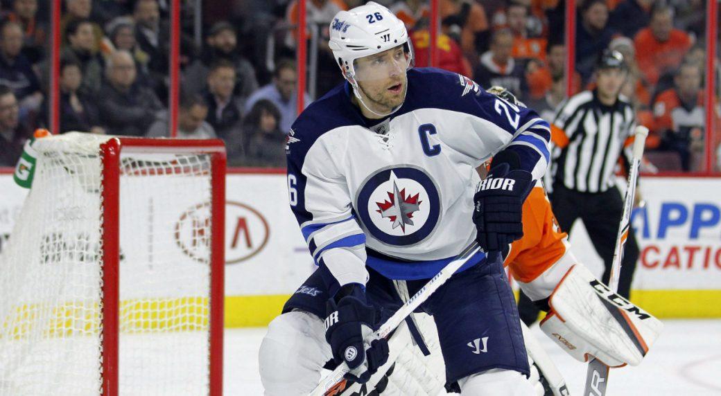 Winnipeg-Jets'-Blake-Wheeler-stands-in-front-of-Philadelphia-Flyers-goalie-Steve-Mason-as-he-waits-for-a-pass-during-the-first-period-of-an-NHL-hockey-game,-Thursday,-Nov.-17,-2016,-in-Philadelphia.-(Tom-Mihalek/AP)