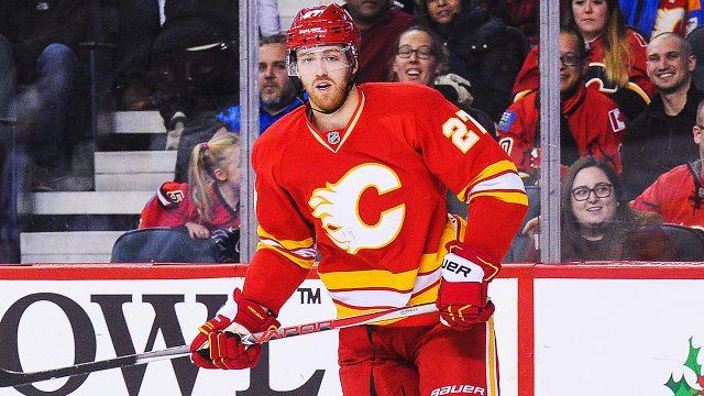 Calgary-Flames-defenceman-Dougie-Hamilton