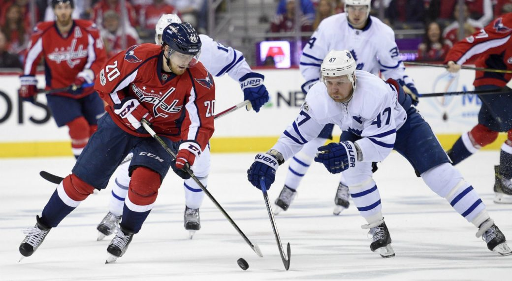 Washington-Capitals-centre-Lars-Eller-(20),-of-Denmark,-battles-for-the-puck-with-Toronto-Maple-Leafs-centre-Leo-Komarov-(47),-of-Russia,-during-the-second-period-of-Game-5-in-an-NHL-Stanley-Cup-hockey-first-round-playoff-series,-Friday,-April-21,-2017,-in-Washington.-(Nick-Wass/AP)