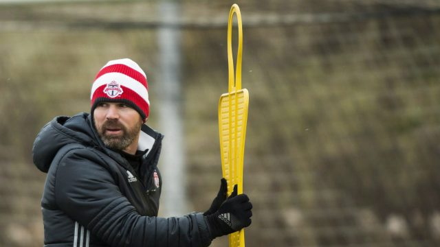 Toronto-FC-head-coach-Greg-Vanney-runs-his-players-through-drills-up-during-practice-ahead-of-the-MLS-championship-final-match-against-the-Seattle-Sounders-in-Toronto-on-Thursday,-December-8,-2016.-(Nathan-Denette/CP)