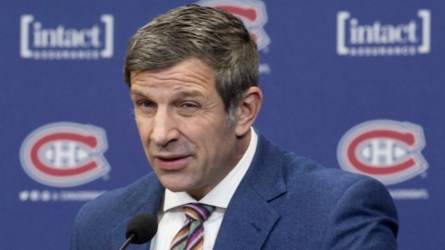 Montreal-Canadiens-general-manager-Marc-Bergevin-pauses-as-he-comments-on-the-team's-coaching-change-during-a-news-conference,-in-Brossard,-Que.,-on-Wednesday,-February-15,-2017.-Claude-Julien-will-be-coaching-the-Habs-after-the-firing-of-Michel-Therrien.-(Paul-Chiasson/CP)