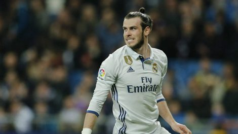 In-this-file-photo-dated-Wednesday-March-1,-2017,-Real-Madrid's-Gareth-Bale-reacts-during-a-Spanish-La-Liga-soccer-match-between-Real-Madrid-and-Las-Palmas-at-the-Santiago-Bernabeu-stadium-in-Madrid,-Spain.-Real-Madrid-will-have-to-continue-its-push-toward-its-first-Spanish-league-title-in-five-years-without-the-injured-Gareth-Bale,-after-Coach-Zidane-Zidane-confirmed-Friday-April-14,-2017,-a-leg-injury-will-stop-Bale-playing-upcoming-Saturday.-(Paul-White/AP)