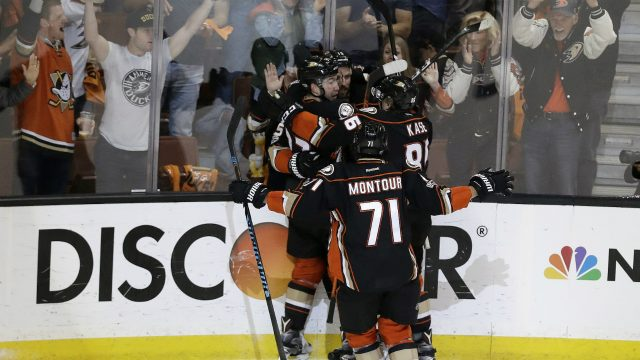 Anaheim-Ducks'-Nick-Ritchie,-left,-celebrates-with-his-teammates-after-scoring-a-goal-against-the-Nashville-Predators-during-the-second-period-of-Game-2-of-the-Western-Conference-final-in-the-NHL-hockey-Stanley-Cup-playoffs,-Sunday,-May-14,-2017,-in-Anaheim,-Calif.-(Chris-Carlson/AP)