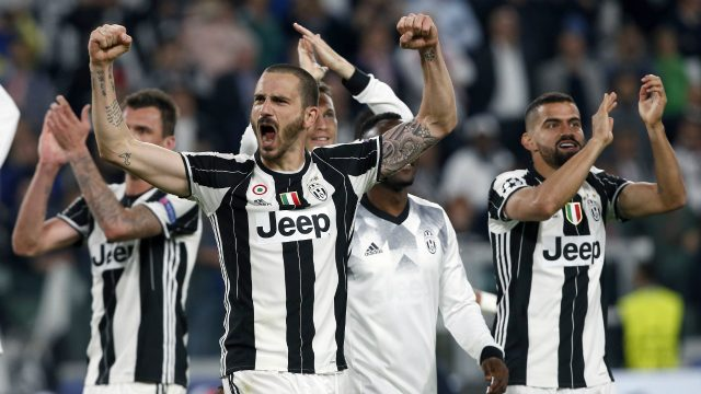 Juventus'-Leonardo-Bonucci,-front,-celebrates-after-the-Champions-League-semi-final-second-leg-soccer-match-between-Juventus-and-Monaco-in-Turin,-Italy,-Tuesday,-May-9,-2017.-Juventus-defeated-Monaco-by-2-1.-(Antonio-Calanni/AP)