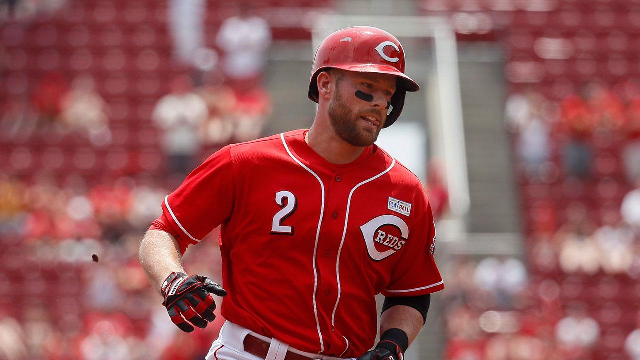 Cincinnati-Reds'-Zack-Cozart-runs-the-bases-after-hitting-a-two-run-home-run-off-Atlanta-Braves-starting-pitcher-Julio-Teheran-in-the-first-inning-of-a-baseball-game,-Sunday,-June-4,-2017,-in-Cincinnati.-(John-Minchillo/AP)