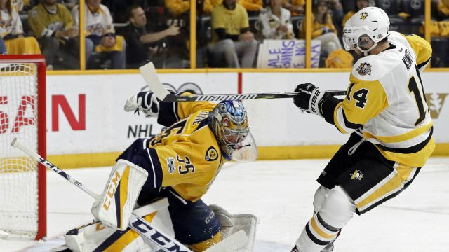 Nashville-Predators-goalie-Pekka-Rinne-(35),-of-Finland,-stops-a-shot-by-Pittsburgh-Penguins-left-wing-Chris-Kunitz-(14)-during-the-second-period-in-Game-4-of-the-NHL-hockey-Stanley-Cup-Finals-Monday,-June-5,-2017,-in-Nashville,-Tenn.-(Mark-Humphrey/AP)