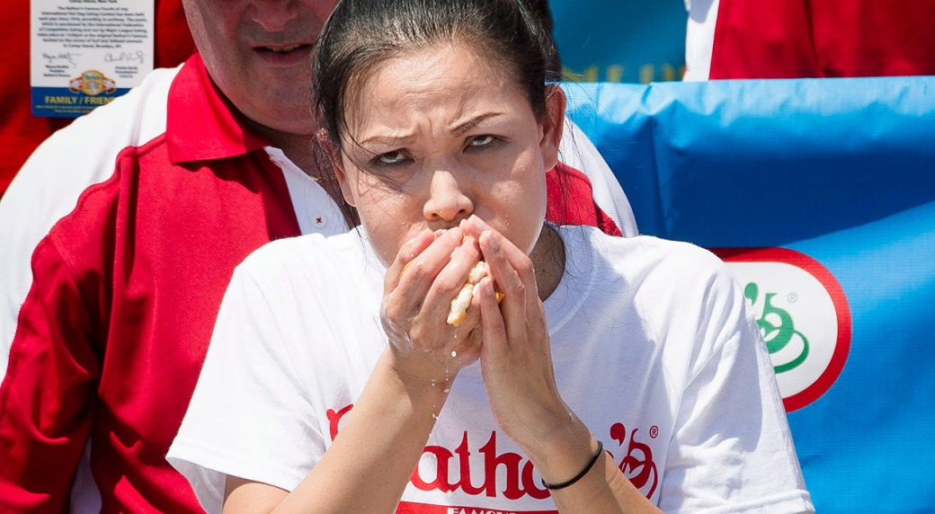 Science Of Sport How To Win The Nathan S Hot Dog Eating