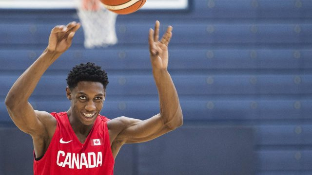 R.J.-Barrett,-17,-passes-the-ball-to-a-teammate-at-the-U19-basketball-Canada-practice-in-Mississauga,-Ont.,-on-Tuesday,-June-20,-2017.-(Nathan-Denette/CP)
