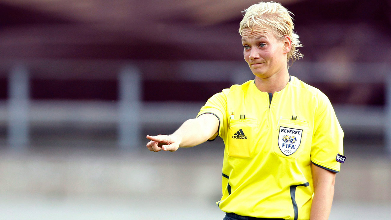 German-referee-Bibiana-Steinhaus.-(Matthias-Schrader/AP)