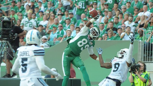 Saskatchewan-Roughriders-wide-receiver-Duron-Carter-makes-a-one-handed-grab.-(Mark-Taylor/AP)