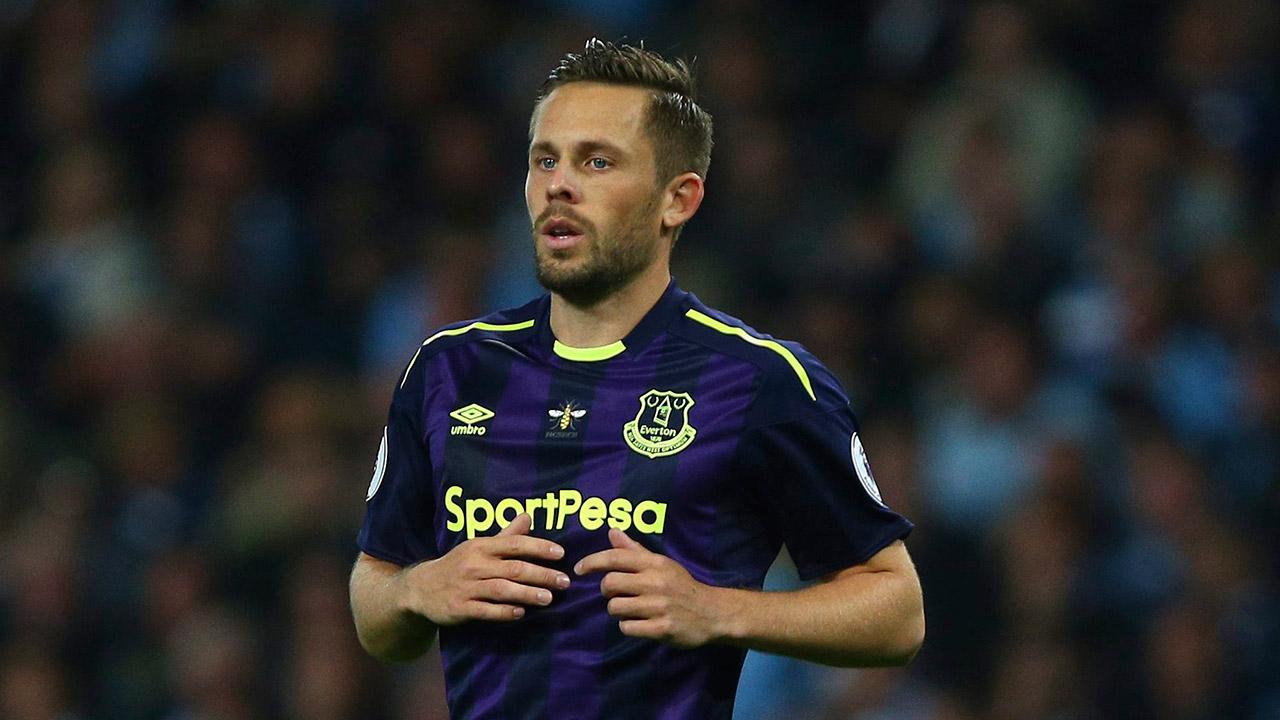 Everton's-Gylfi-Sigurdsson-during-the-English-Premier-League-soccer-match.-(Dave-Thompson/AP)