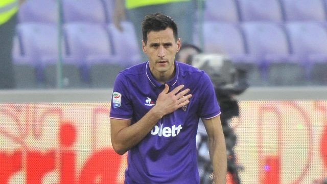 Fiorentina's-Nikola-Kalinic-celebrates-after-scoring.-(Maurizio-Degl'Innocenti/AP)