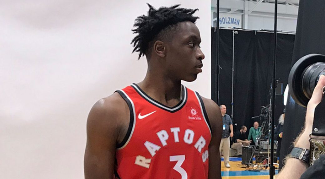 huge discount 35870 94aab OG Anunoby spotted wearing Raptors' new jersey with Sun Life ...