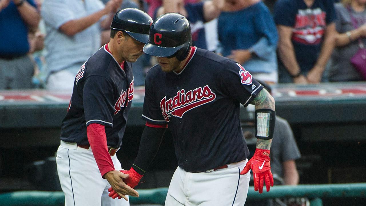 Cleveland-Indians'-Roberto-Perez.-(Phil-Long/AP)