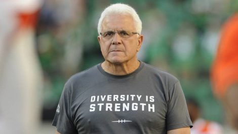 "B.C.-Lions-head-coach-Wally-Buono-sports-a-""Diversity-is-Strength""-T-shirt-on-the-sidelines-before-taking-on-the-Saskatchewan-Roughriders-in-CFL-football-action-in-Regina-on-Sunday,-August-13,-2017.-(Mark-Taylor/CP)"