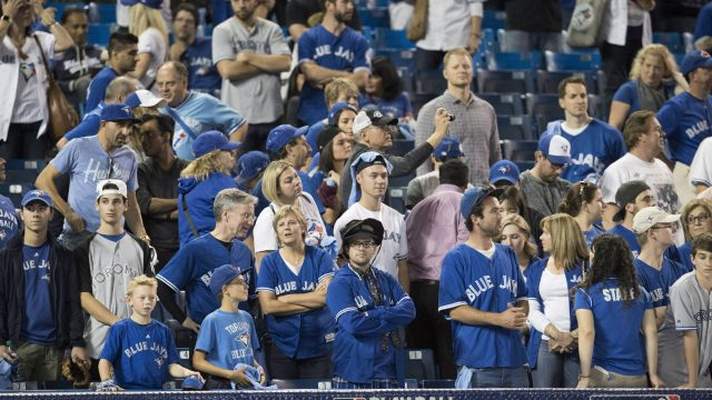 Toronto-Blue-Jays-fans.-(Frank-Gunn/CP)