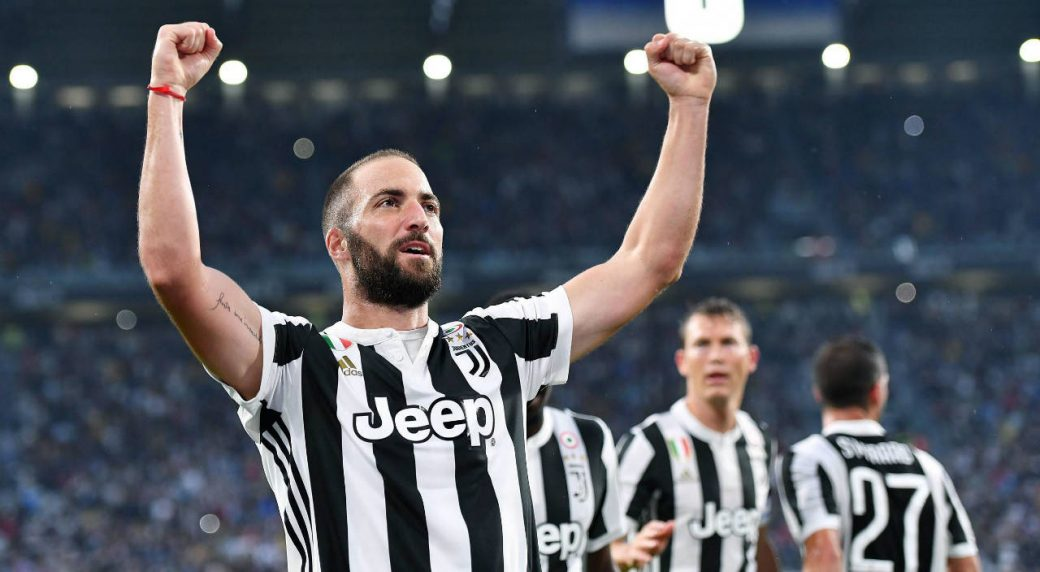Juventus's-Gonzalo-Higuain-celebrates-after-scoring-a-goal-during-the-Italian-Serie-A-Soccer-match-between-Juventus-and-Chievo-at-the-Allianz-Stadium-in-Turin,-Italy,-Saturday,-Sept.-9,-2017.-(Alessandro-Di-Marco/ANSA-via-AP)