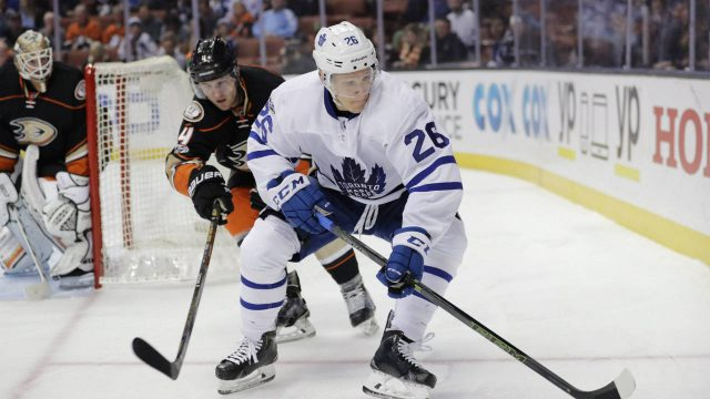 Toronto-Maple-Leafs'-Nikita-Soshnikov,-centre,-of-Russia,-moves-the-puck-under-defense-by-Anaheim-Ducks'-Cam-Fowler-during-the-first-period-of-an-NHL-hockey-game-Friday,-March-3,-2017,-in-Anaheim,-Calif.-(Jae-C.-Hong/AP)