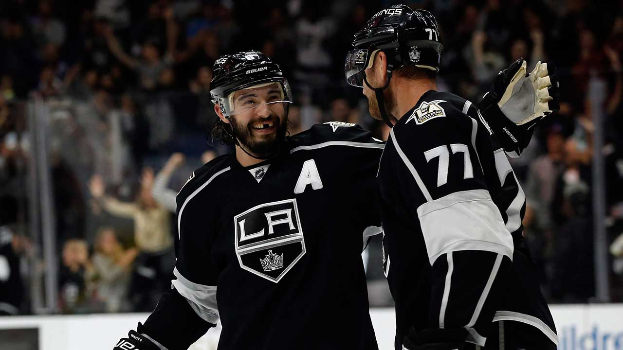 Los-Angeles-Kings-defenceman-Drew-Doughty,-left,-congratulates-centre-Jeff-Carter-(77)-for-scoring-the-winning-goal-against-Nashville-Predators-during-the-overtime-period-of-an-NHL-hockey-game-in-Los-Angeles,-Thursday,-Oct.-27,-2016.-The-Kings-won-3-2,-in-overtime.-(Alex-Gallardo/AP)