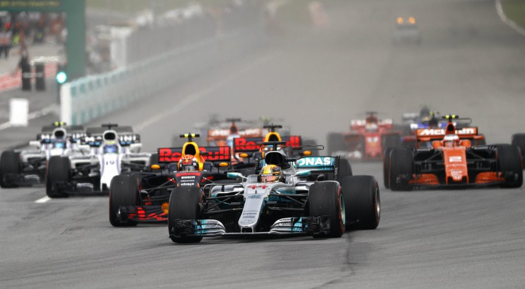 Mercedes-driver-Lewis-Hamilton-of-Britain-leads-the-field-into-turn-one-at-the-start-of-the-Malaysian-Formula-One-Grand-Prix-in-Sepang,-Malaysia,-Sunday,-Oct.-1,-2017.-(Eric-To/AP)