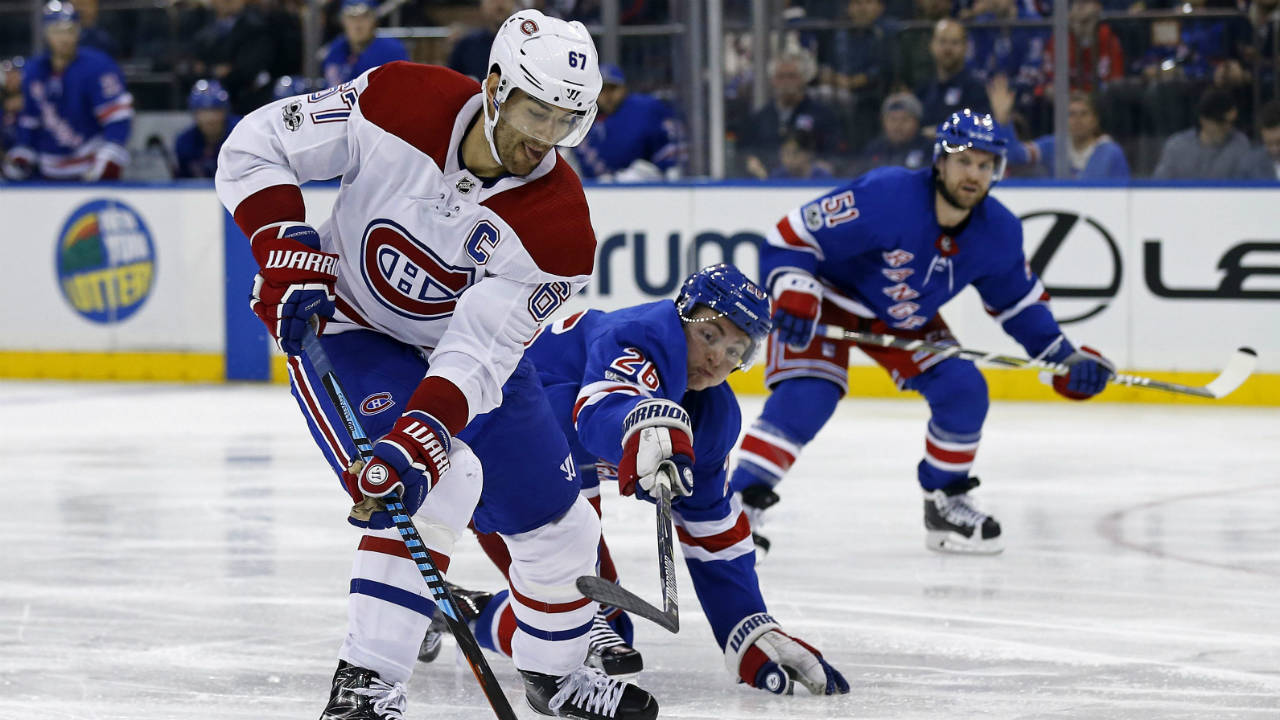 Montreal-Canadiens'-Max-Pacioretty-(67)-is-defended-by-New-York-Rangers'-Jimmy-Vesey-(26)-in-the-third-period-of-an-NHL-hockey-game-Sunday,-Oct.-8,-2017,-in-New-York.-The-Rangers-won-2-0.-(Adam-Hunger/AP)