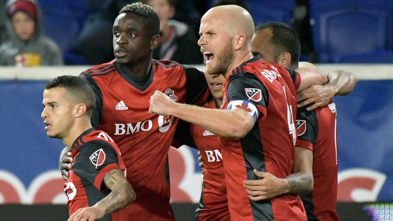 Giovinco's free-kick goal sends TFC past Red Bulls in first leg