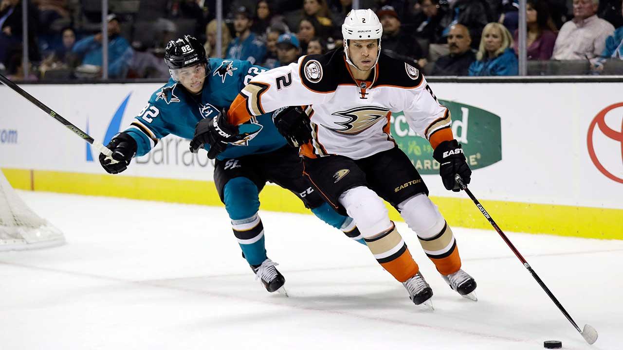 Anaheim-Ducks-defenceman-Kevin-Bieksa
