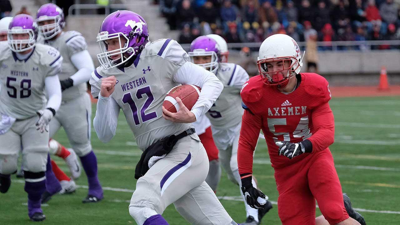 Western-Mustangs-quarterback-Chris-Merchant