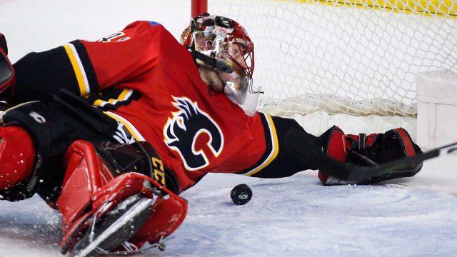 Calgary-Flames-Mike-Smith