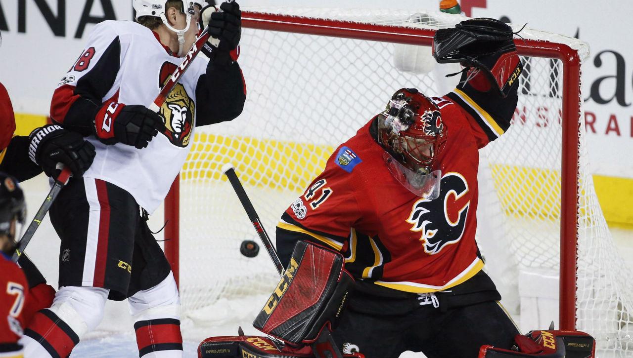 Calgary-Flames-goalie-Mike-Smith.