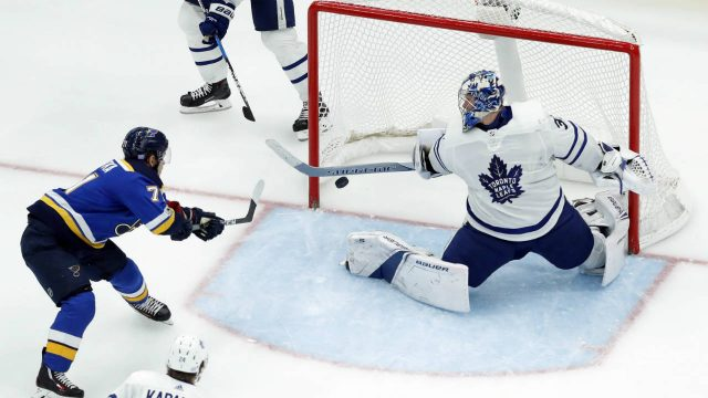 St.-Louis-Blues'-Vladimir-Sobotka,-left,-of-the-Czech-Republic,-scores-past-Toronto-Maple-Leafs-goalie-Frederik-Andersen,-of-Denmark,-as-Leafs'-Kasperi-Kapanen-(24),-of-Finland,-watches-during-the-third-period-of-an-NHL-hockey-game-Saturday,-Nov.-4,-2017,-in-St.-Louis.-The-Blues-won-6-4.-(Jeff-Roberson/AP)