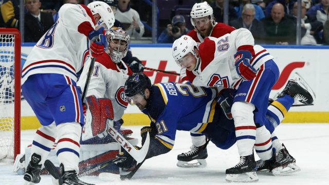 St.-Louis-Blues'-Patrik-Berglund-(21),-of-Sweden,-is-unable-to-get-his-stick-on-the-puck-as-Montreal-Canadiens'-Jakub-Jerabek,-left,-of-the-Czech-Republic;-goaltender-Carey-Price-(31);-Artturi-Lehkonen-(62),-of-Finland;-and-Joe-Morrow-(45)-defend-during-the-second-period-of-an-NHL-hockey-game-Tuesday,-Jan.-30,-2018,-in-St.-Louis.-(Jeff-Roberson/AP)