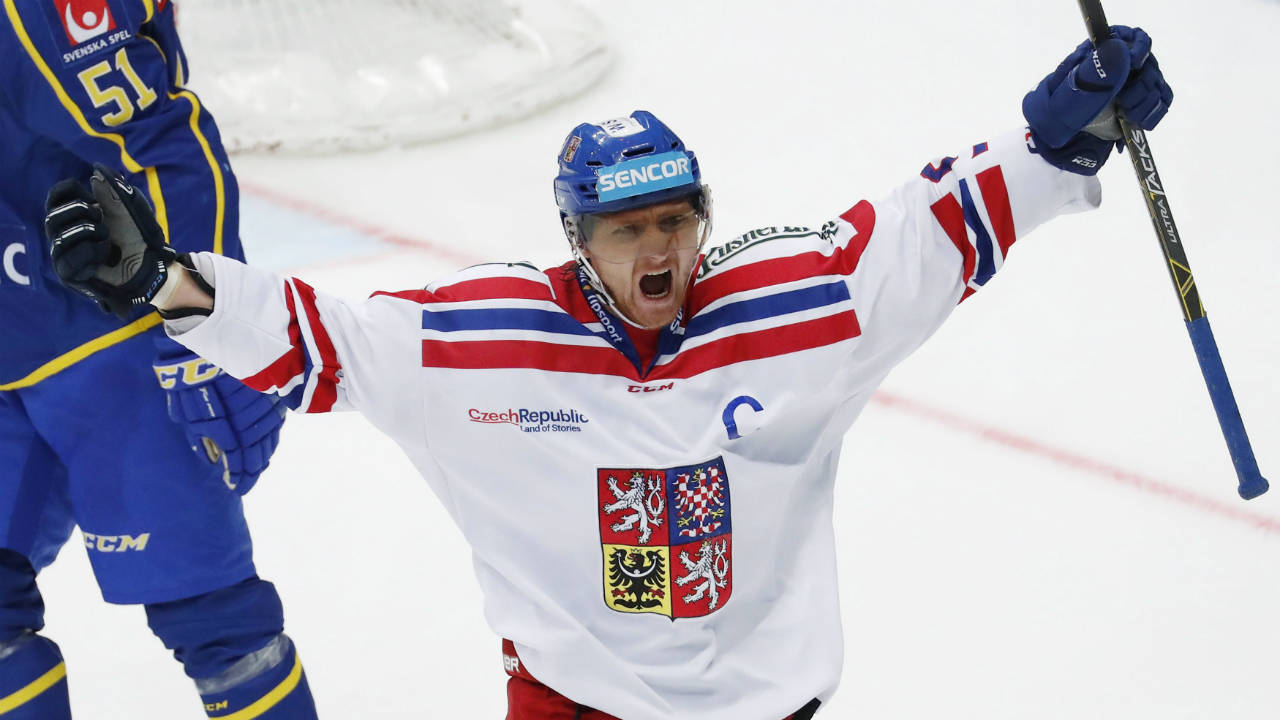 Czech-captain-Martin-Erat.-(Pavel-Golovkin,-file/AP)